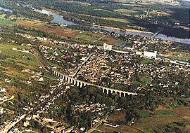 An aerial view of Saint-Satur