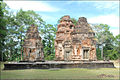 Sanctuaire du temple Preah Kô (Angkor) (6967951029).jpg