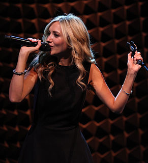 Sarah Darling American musician
