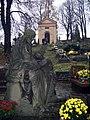 Scenic graveyard - panoramio.jpg