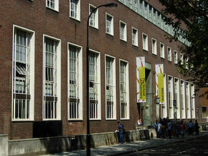 UCL School of Pharmacy - The main entrance to the UCL School of Pharmacy building