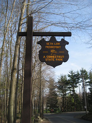 Seth Low Pierrepont State Park Reserve - Image: Seth Low Pierrepont State Park Reserve entrance sign