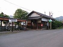 Shinano-Takehara stn 2.jpg