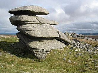 Showery Tor - Showery Tor Cairn and natural outcrop