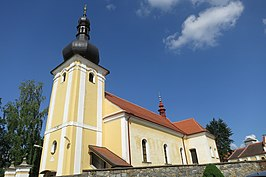 Side view of church of Saint Martin in Budkov, Třebíč District.JPG