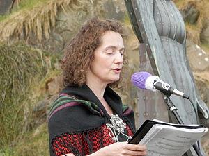 Sirið Stenberg setir Jóansøkuna 2012.JPG