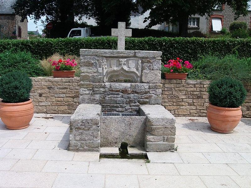 Deuxième fontaine, au centre.