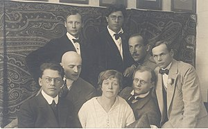 Siuru - Members of Siuru group, rear: Peet Aren, Otto Krusten, front row: Friedebert Tuglas, Arthur Adson, Marie Under, August Gailit, Johannes Semper and Henrik Visnapuu