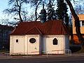 Smíchov, kaple Nanebevzetí P. Marie z boku.JPG