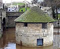 Small round tower in a flood - panoramio.jpg