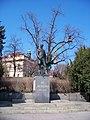Socha Jana Podlipného a úpravy stromu v parku před Libeňským zámkem.jpg