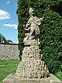 Socha svatého Prokopa u zámku v Doudlebech nad Orlicí .jpg