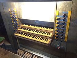 Spieltisch Orgel St. Servatius Duderstadt.JPG