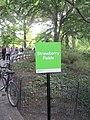 Srwaberry Fields Schild.jpg