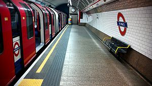 St. Paul's tube station - Central line train on the westbound platform