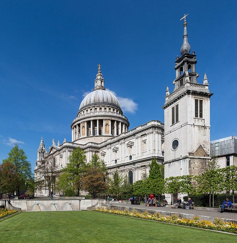 جولة في مدينة الضباب ( لندن ) 800px-St_Paul's_Cathedral_from_Festival_Gardens_-_Diliff.jpg