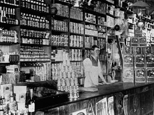 English: Interior of a shop at Killarney, 1910...