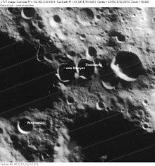 冯·拜耳陨石坑