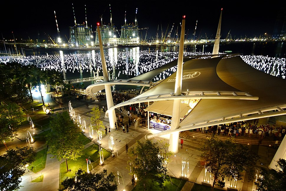 The New Year Countdown. Venue Marina Bay, Singapore. Have a prosperous year ahead. Cheers! (3144588854)