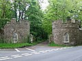 The lodge gatehouses - geograph.org.uk - 171742.jpg