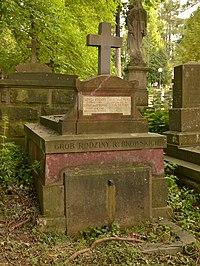 Tomb of Rybkowski family (01).jpg