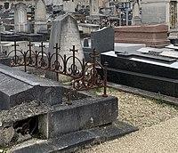 Tombeau Léonard Sadi Carnot Cimetière Ancien Ivry Seine 1.jpg