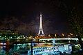 Tour Eiffel annonçant une nouvelle heure, Paris 15 déc 2013.jpg