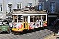 Tramway place Cathédrale Lisbonne 1.jpg