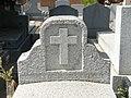 Tumba de Carmen de Burgos y familia, cementerio civil de Madrid, detalle.jpg