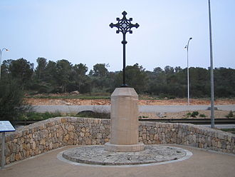 Battle of Portopí - Creu de Montcada (Tomás Vila, 1886), monument to the two fallen nobles in the battle.