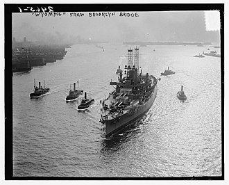 USS Wyoming (BB-32) - Wyoming steaming up the East River in 1912