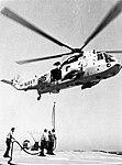 USS Jouett (DLG-29) refuels a SH-3D Sea King from HS-8 in 1971.jpg