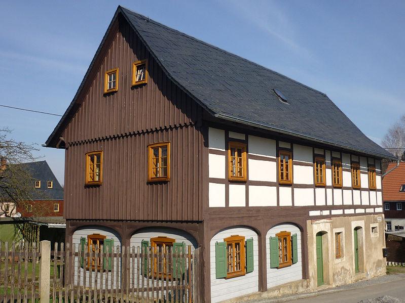 File:Umgebindehaus-Ottendorf.jpg