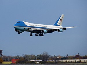 United States Air Force Boeing VC-25 (92-9000) landing at Dayton International Airport (1).jpg