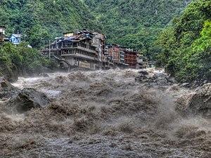 Aguas Calientes, Peru - Image: Urubamba river Aguas Calientes