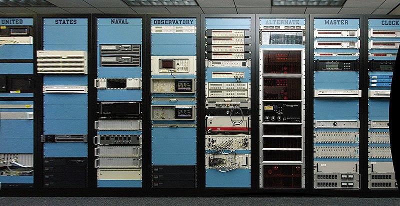 The U.S. Naval Observatory Đồng hồ chủ dự phòng tại Schriever AFB (Colorado) là một nguồnStratum-0 cho NTP