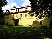 Velké Popovice, Lojovice Castle.jpg