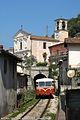 Vello ferrovia chiesa.jpg