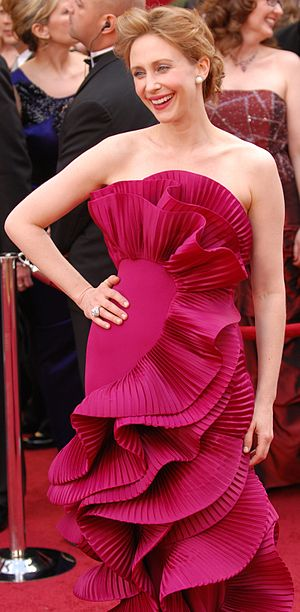 Marchesa (brand) - Image: Vera Farmiga @ 2010 Academy Awards (cropped)