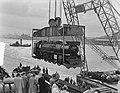 Verscheping van locomotieven naar Indonesie, Bestanddeelnr 904-7238.jpg