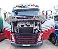 Volvo FH, front view, open doors.jpg