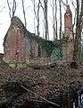 Von Alten Mausoleum im Sundern Seitenansicht schräg.jpg