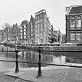 Voor- en rechter zijgevel - Amsterdam - 20020236 - RCE.jpg