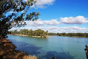 English: The confluence of the Murray River an...