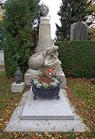 Wiener Zentralfriedhof - Gruppe 14A - Emil Holub.jpg
