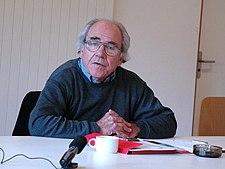 Jean Baudrillard en el European Graduate School en 2004