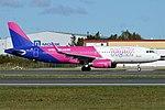 Wizz Air, HA-LYS, Airbus A320-232 (30335730967).jpg