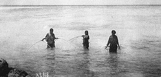 Caroline Islands - Women fishing with nets, Chuuk (1899–1900)