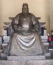 Bronze statue of the Yongle Emperor