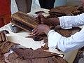 Zigarren drehen Vorführung 2008 Mallorca 01.JPG